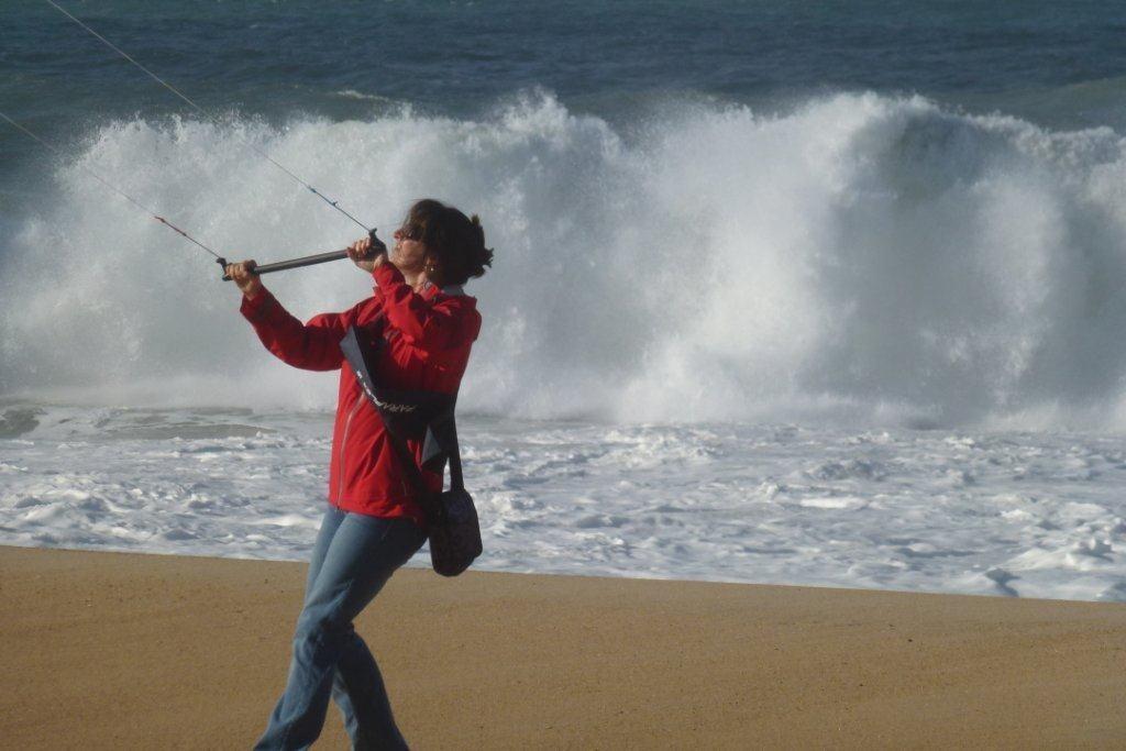 Auch im Winter kann man am Strand viel Spaß haben in Sao MArtinho do Porto.