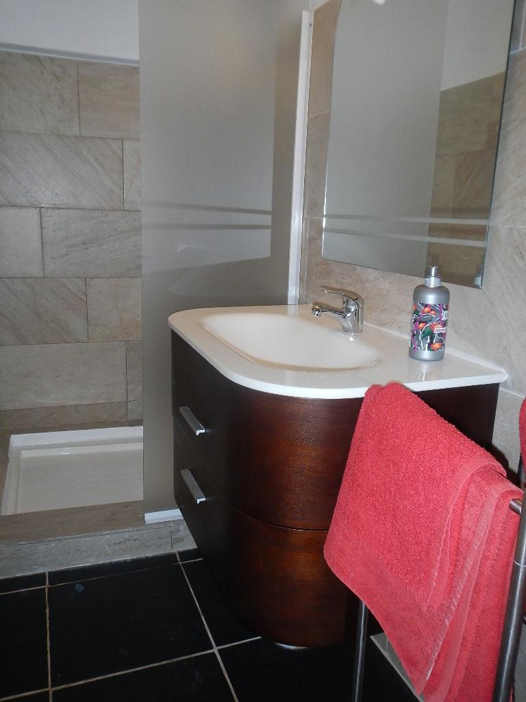 gepflegtes Badezimmer, Urlaub am Atlantik Ferienwohnung von privat mieten