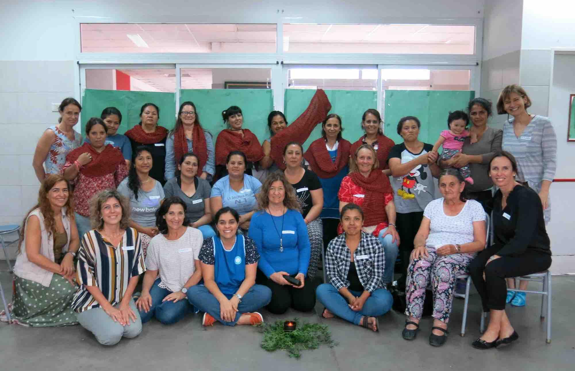 """Tejedoras del """"Colegio Madre Teresa"""", Virreyes, Argentina"""