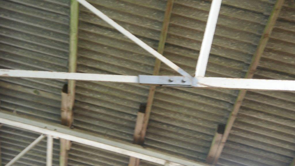Die verrosteten Verbindungen und Schrauben sind ersetzt.
