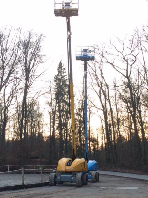 Für die Arbeit in der Höhe kommen Skyworker zum Einsatz.