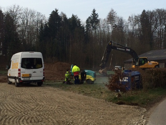 Morgens um halb acht ist schon reger Betrieb auf der Baustelle.