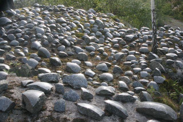 1000 polerte steiner i steinbrudd Stålaker