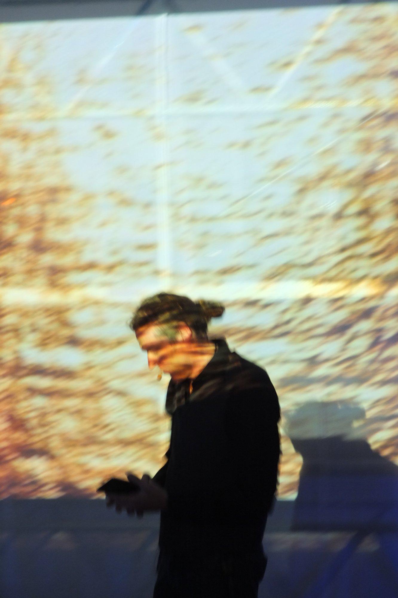 "Matthias A.J. Dachwald, Performance ""Benahoare"", Blaue Nacht, 2014"