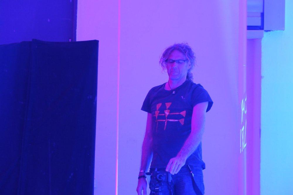 "Matthias AJ Dachwald, Performance ""Aletheia"", 2016 Blaue Nacht"