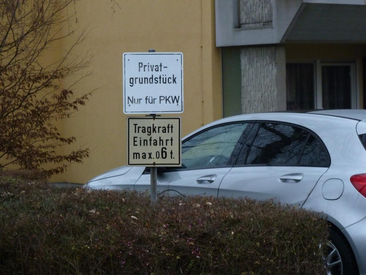 Privatparkplatz für Anwohner und Besucher