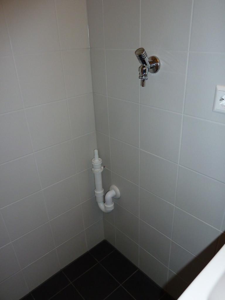 Anschluss für Waschmaschine in Gäste WC
