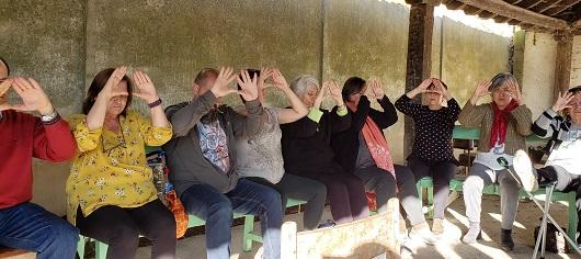 日本のマスターからパレンシアの人たちに霊授をした後、皆で宇宙平安の祈り