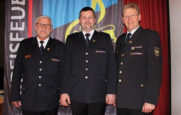 Günther Benz (Obmann der Alterskameraden), Ulrich Sieger (Ehrenzeichen Gold der Sonderstufe), Ernst Heinemann (Vorsitzender KFV TUT)