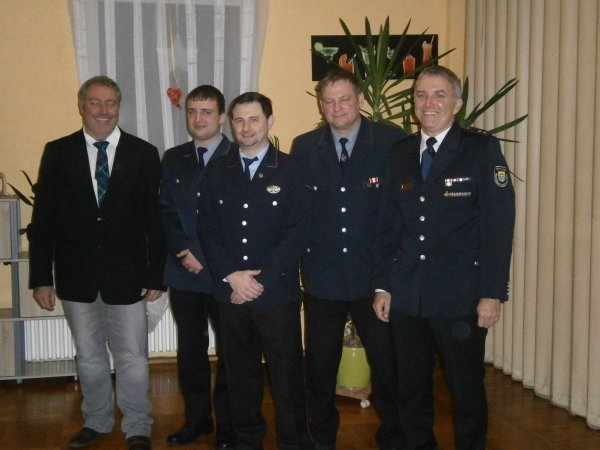 Bürgermeister Tobias Keller,  Christian Scheu, Andreas Prinz , Feuerwehrkommandant Frank Mehner, stellvertretender Kreisverbandsvorsitzender Joachim Weber, Gosheim