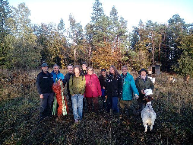 Das Zaunbauteam bestehend aus Mitgliedern der LAG Wolf und der NABU Gruppe Solz. Foto: Wolfgang Weber