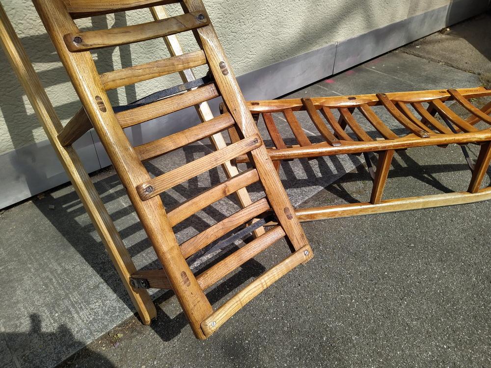 Schlitten: Holzteile ergänzen und neu streichen
