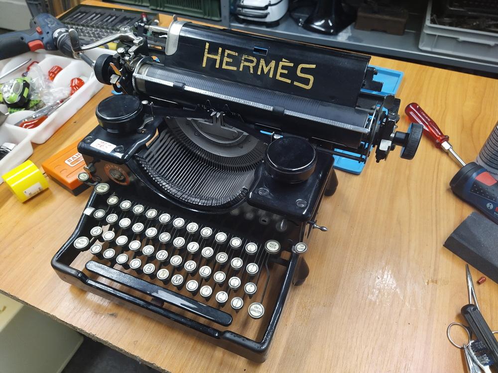 Hermes Schreibmaschine von ca. 1915