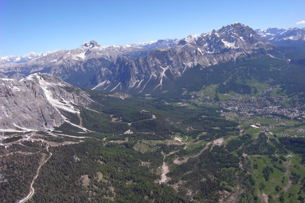 Tofana und Mt.Christallo, links hinten Hohe Geisel