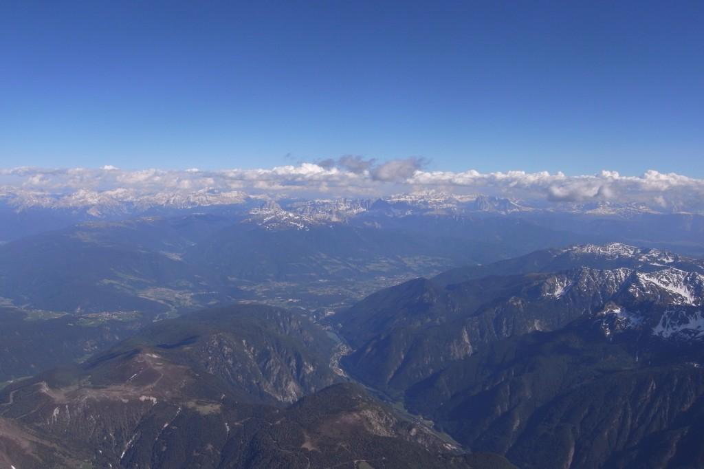 im Hintergrund Brixen
