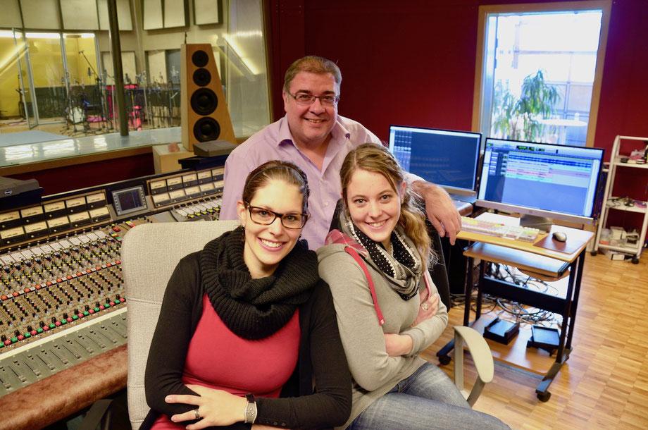 Schüpferi Meitli mit Produzent Tommy Mustac, Anita Bucher, Silvia von Rotz - Bucher