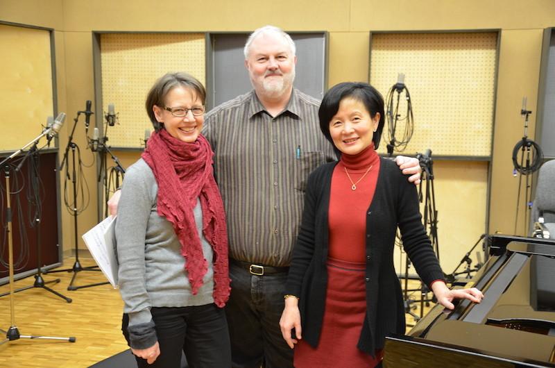 Jeffrey Stone mit Mary Brock und Miduo Zhuge