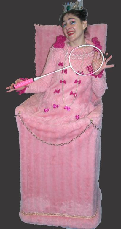 La reine Bigolon et sa raquette