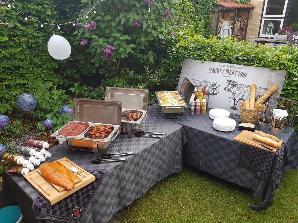 Een voorbeeld van een warm&koud buffet.