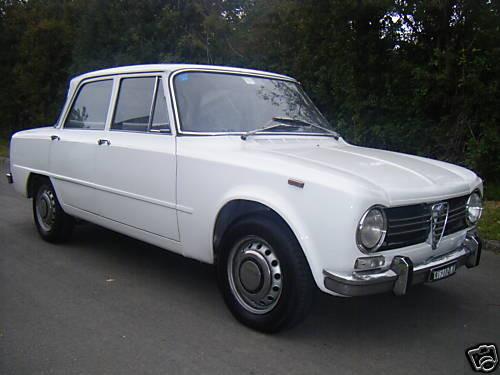 Una bella Giulia 1300 TI bianca, pescata sul web, che mi ricorda tanto quella di papà