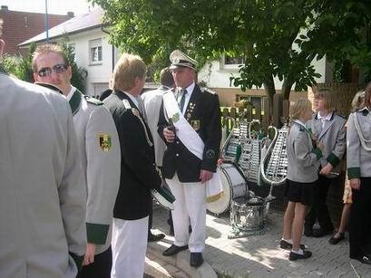 """Das Fest begann mit einem Empfang beim scheidenden König Horst in der """"Königsallee"""""""
