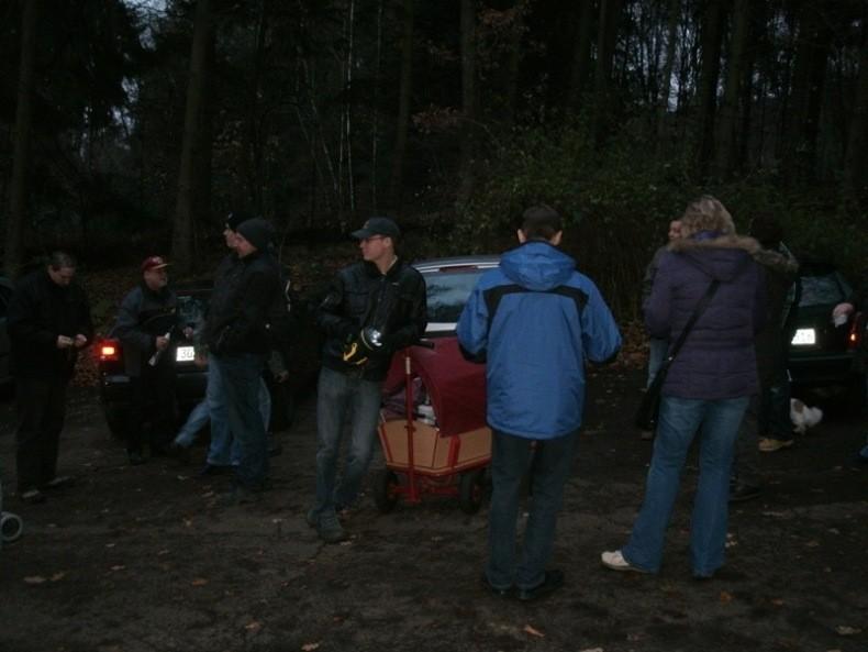 Treffpunkt war am 4.12.2011 der Parkplatz 'Krause Buche'