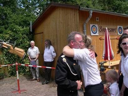 """Gerd Tschernay verteidigt die Ehre der """"Schwarzjacken"""", er holt sich den Flügel des 1.Ritters."""