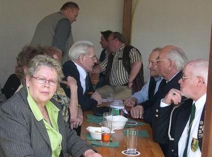 Auch die Älteren, wie Friedhelm und Willi waren mit dabei