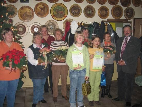 Ehrungen für musikalische Leistungen und Arbeitseinsatz vom Volksmusikerbund und Verein sind immer wichtig.
