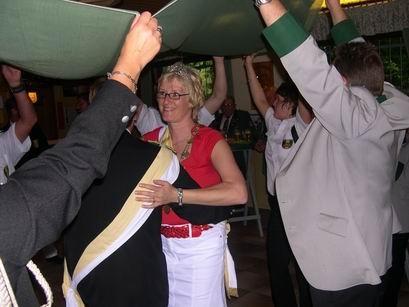 Unserem Königspaar kommt traditionsgemäß die Eröffnung des Tanzes zu.