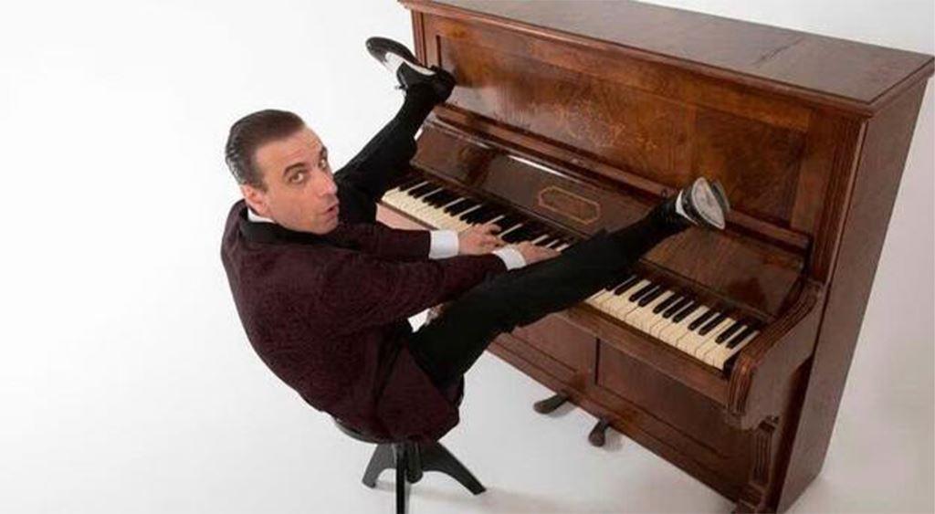 A Tra Ville e Giardini Rock'n roll, boogie woogie e swing col pianista acrobatico Sorgentone