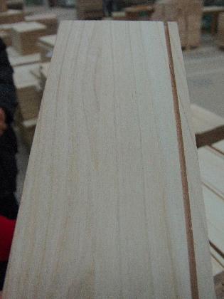 Kiri-Holz - Maserung