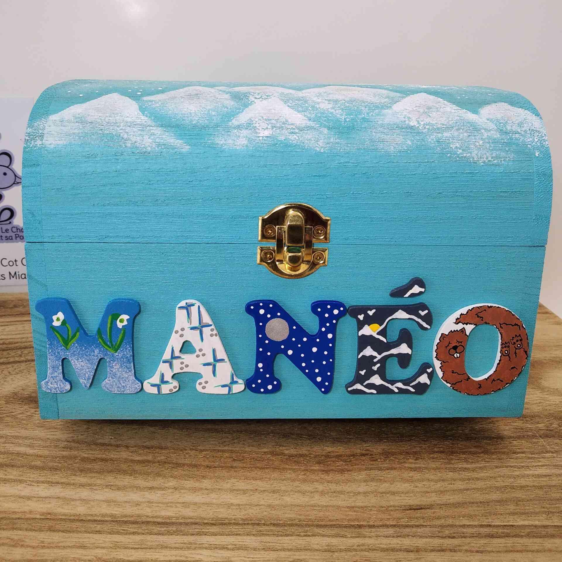 Coffret turquoise, prénom décoré Manéo