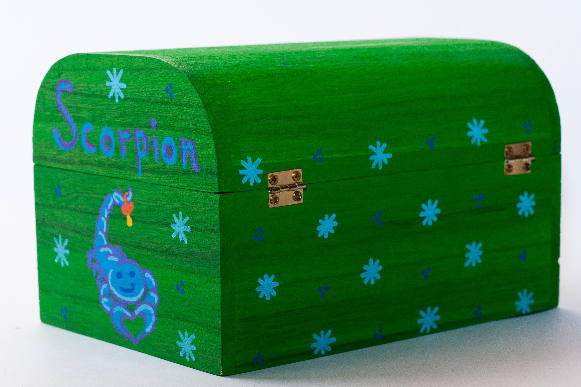 Coffret vert pomme Thierry, décoration et signe astrologique scorpion