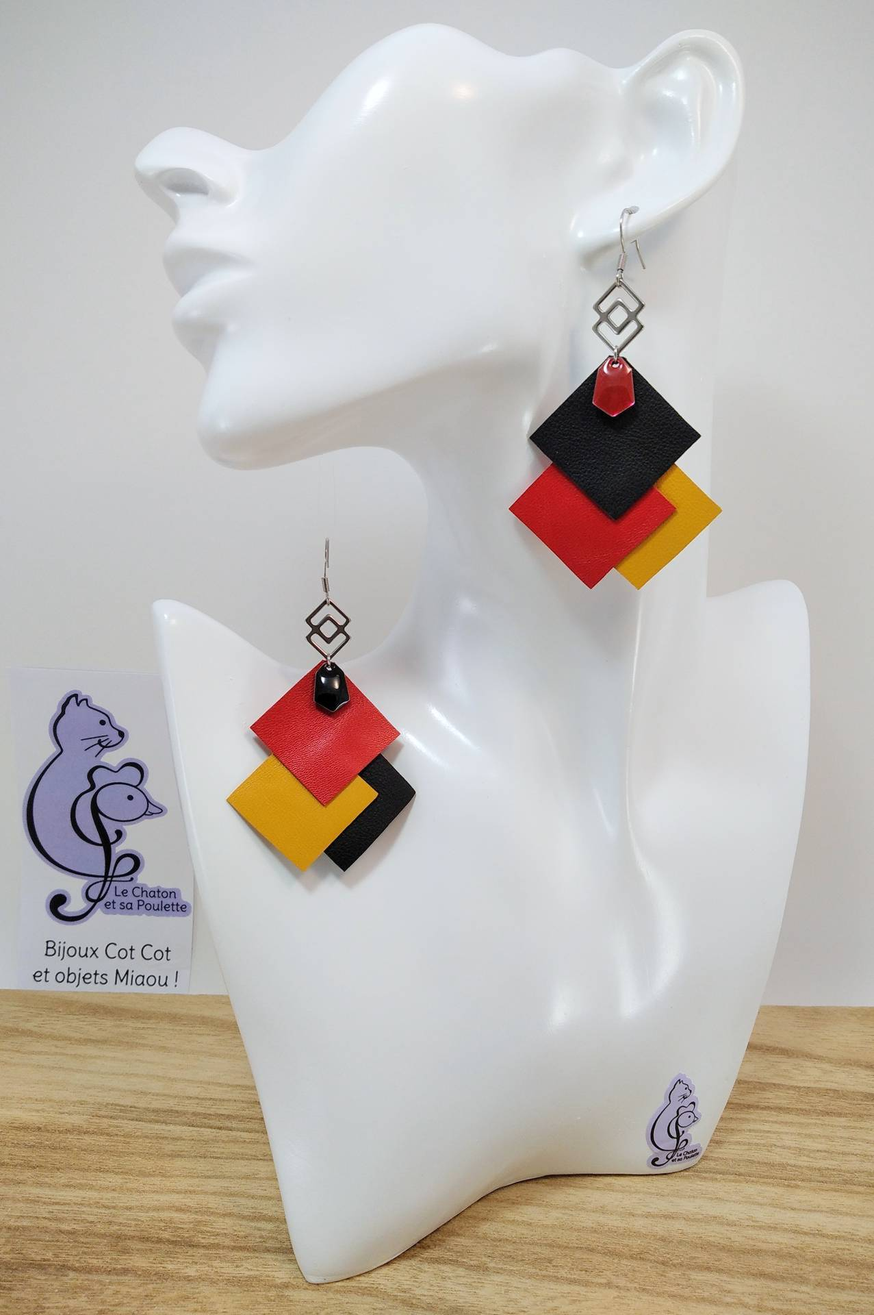 VENDUES ! B.O. FORMIDABLE modèle 6 Cuirs noir/rouge/ocre, breloque inox carrés entrelacés et diamant rouge ou noir