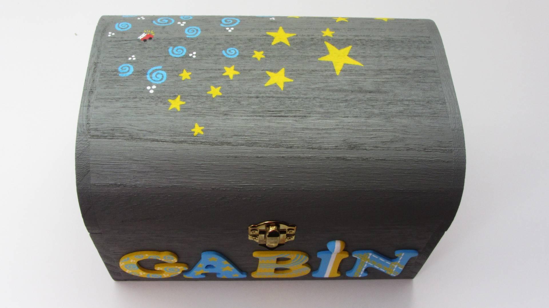 Coffret gris éléphant, prénom décoré Gabin, décoration petits motifs