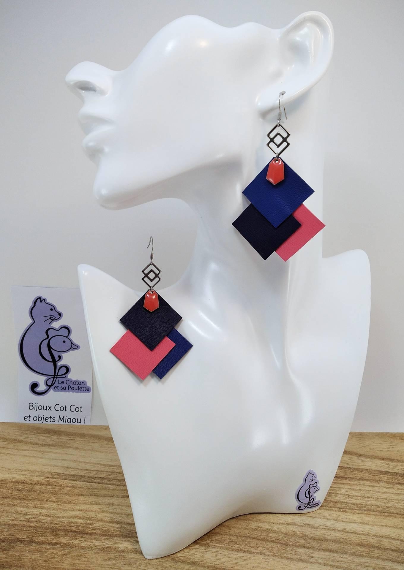 VENDUES ! B.O. FORMIDABLE modèle 6 Cuirs bleu marine/bleu nuit/rose, breloque inox carrés entrelacés et diamant rose saumon