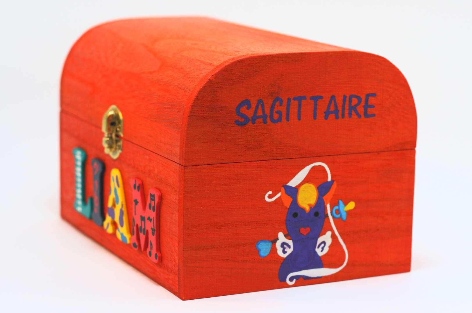 Coffret orange carotte, prénom décoré Liam, signe astrologique sagittaire