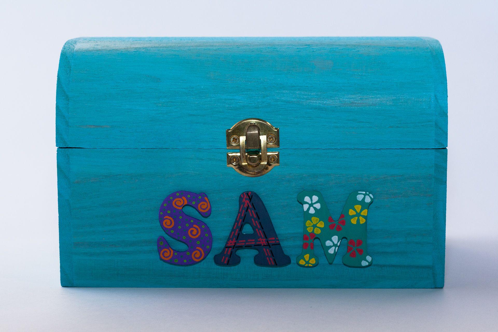 Coffret turquoise, prénom décoré Sam