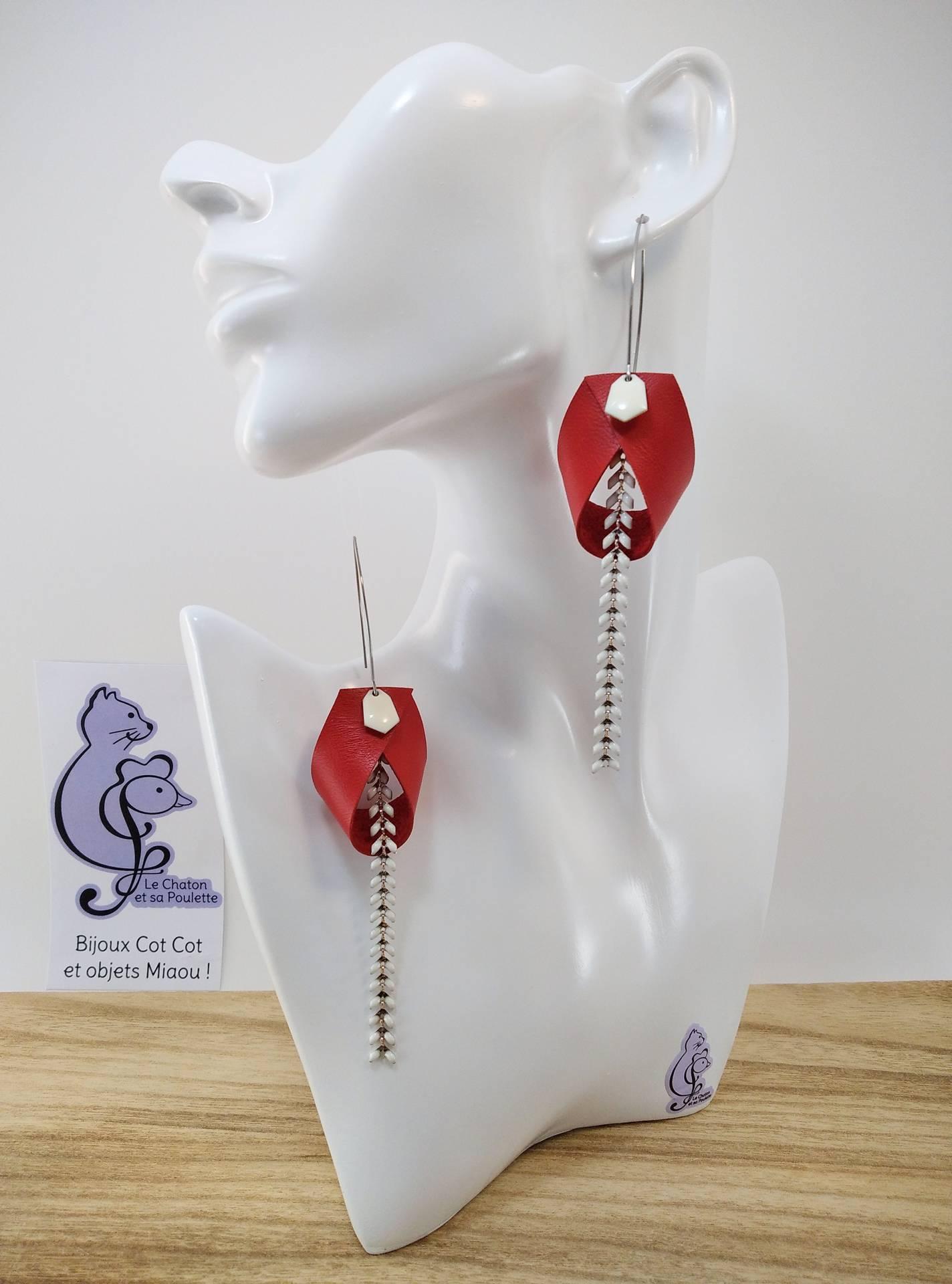 VENDUES ! B.O. FORMIDABLE modèle 2 Cuir rouge, breloque diamant blanc et chaine épis blanc