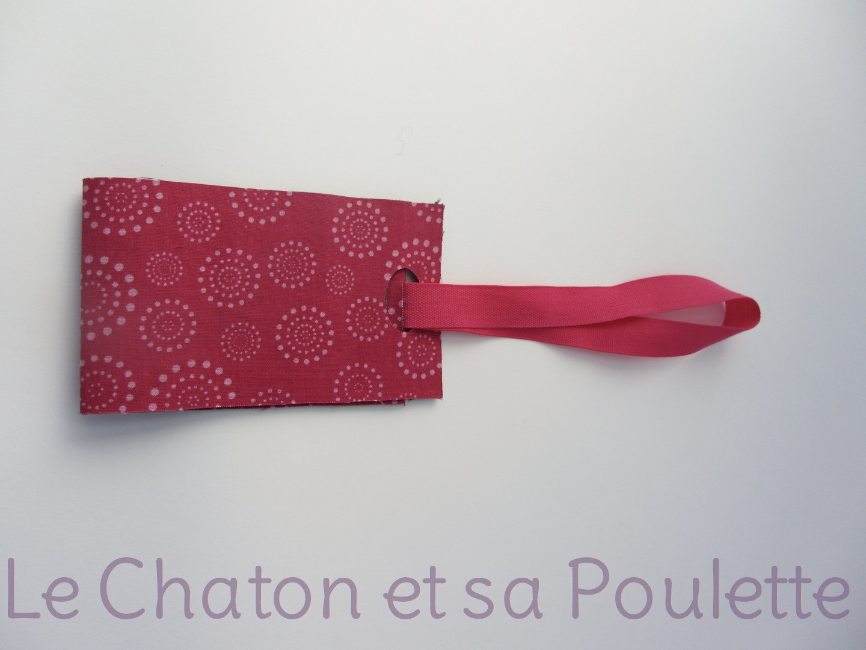 Porte-étiquette tissu Cirklar fond fuchsia