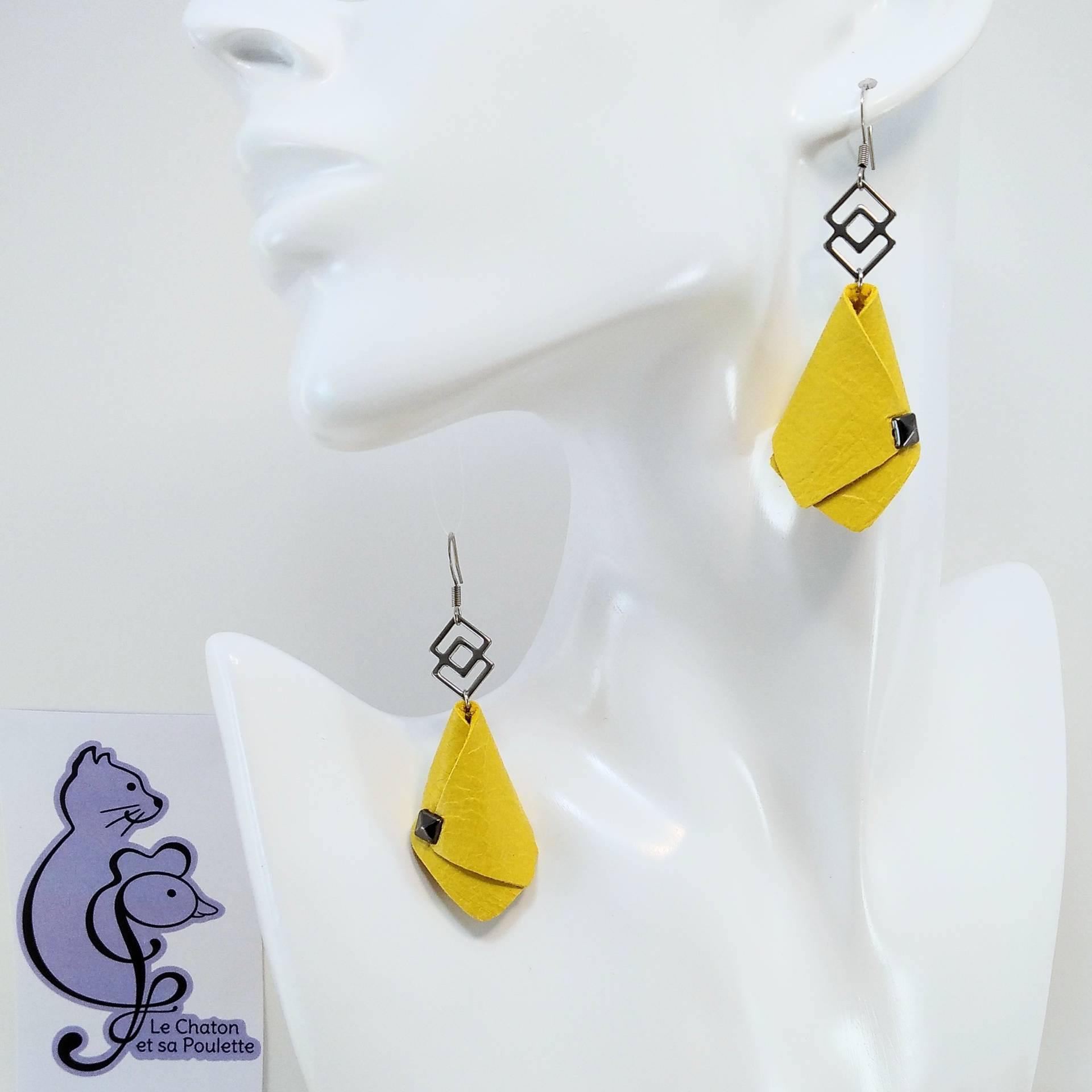VENDUES ! BO FORMIDABLE modèle VAL Cuir jaune, breloque inox carrés entrelacés et carré diamant laiton noir