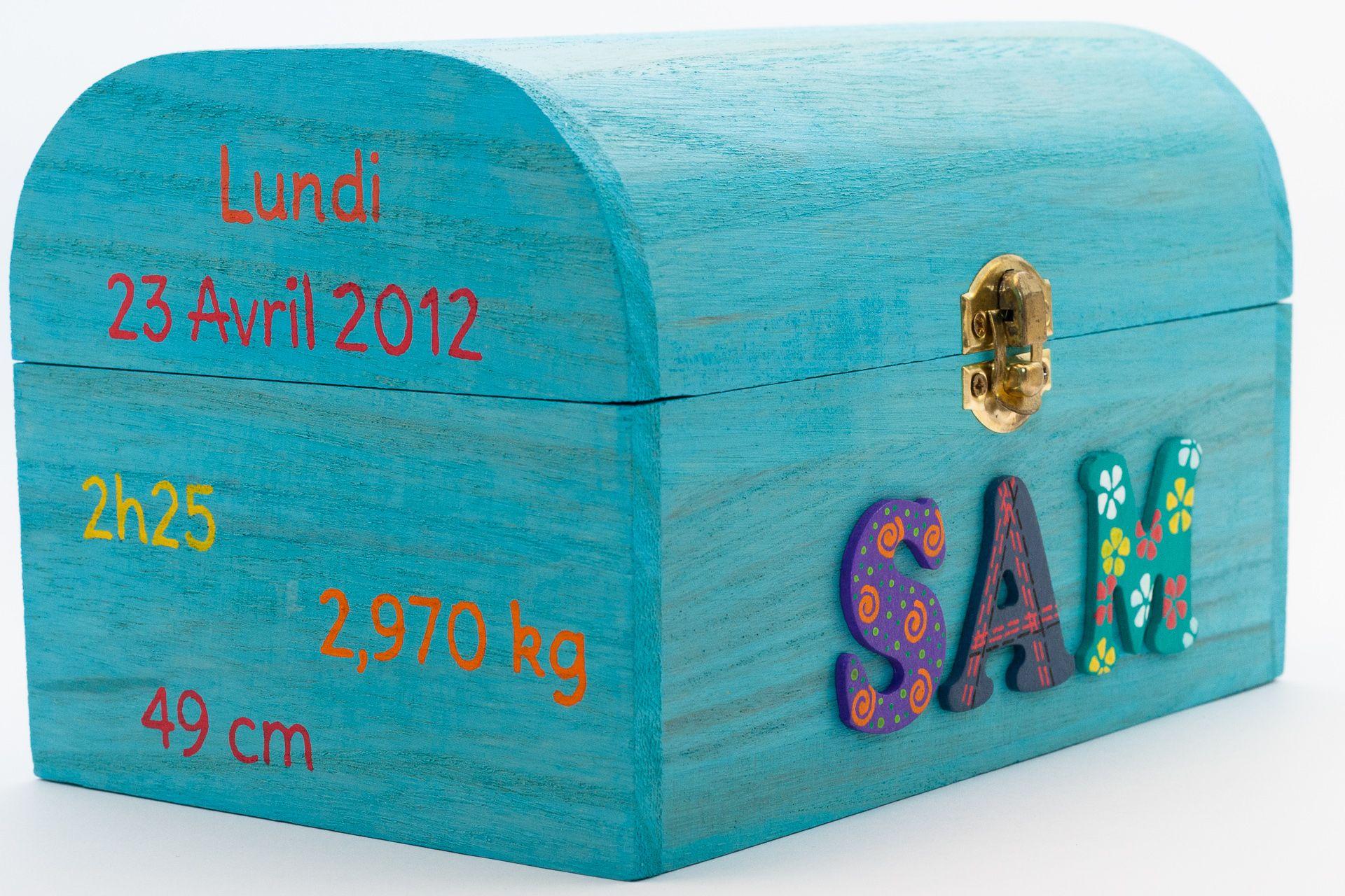 Coffret turquoise, prénom décoré Sam, informations de naissance