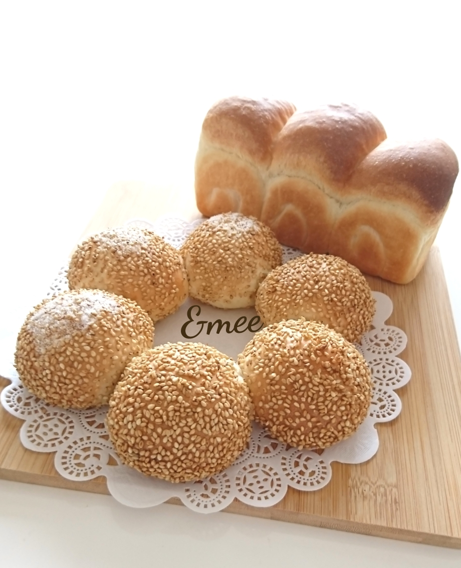 セサミブレッド&ミニ食パン