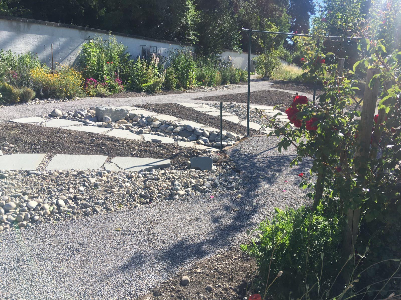 Neugestaltung des Gartens Juni 2017