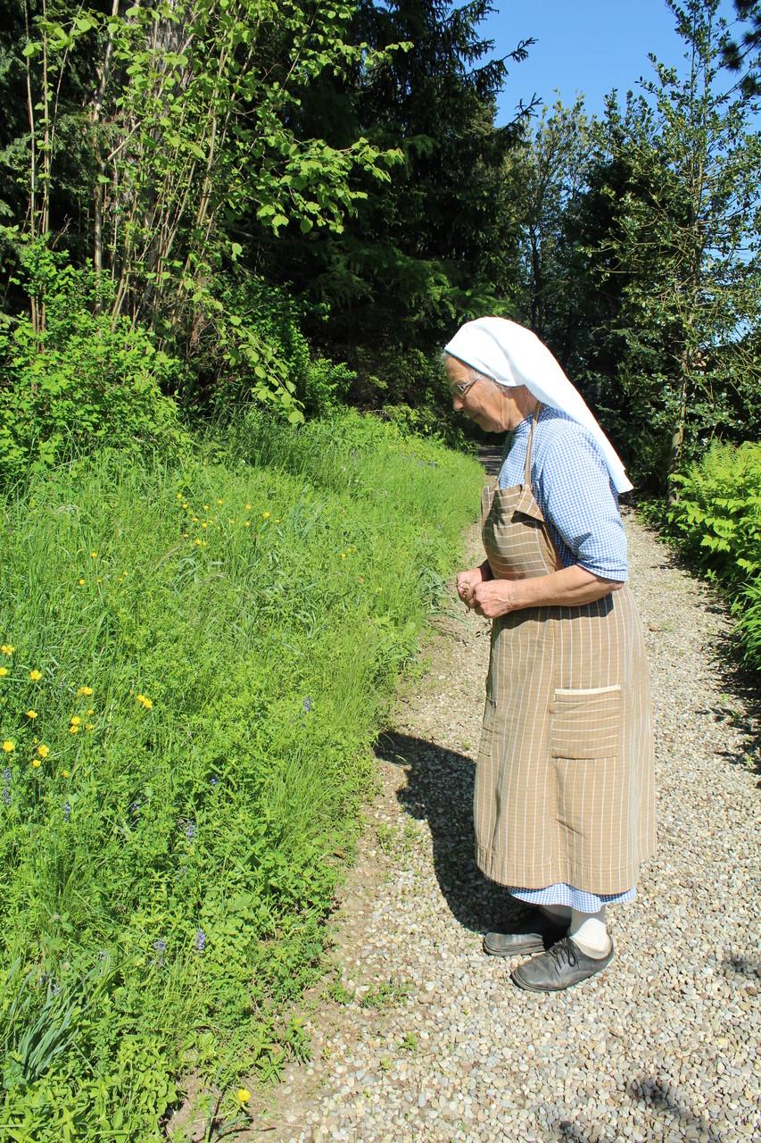 Schwester Beata die Gartenfachfrau