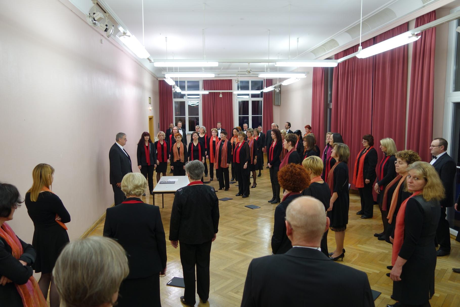 Choreinstudierung für das Neujahrskonzert: Edgar Wolf