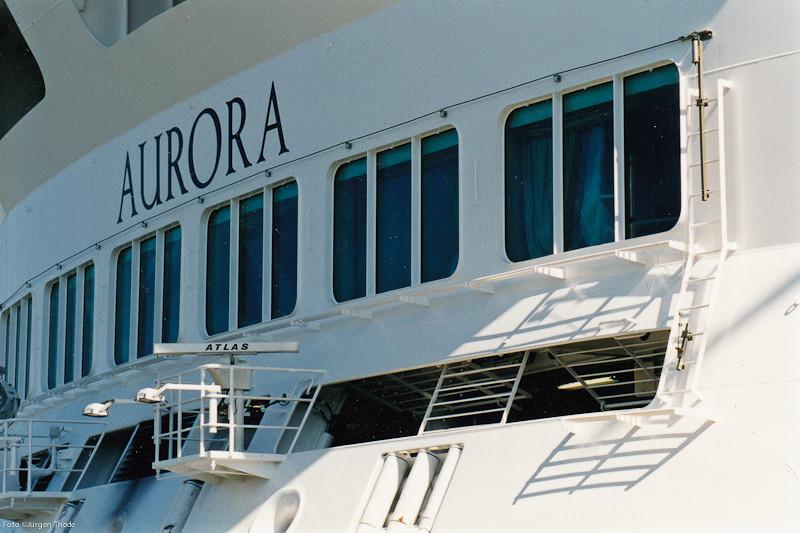 """Einsatz eines Stahlseilsystems zur Absturzsicherung am Kreuzfahrtschiff  """"Aurora""""  Fotos: Jürgen Thode"""