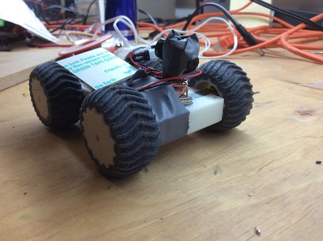 Rover mit Rückfahrkamera