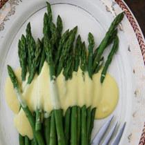 Sparuge-Asparagus-Spargeln